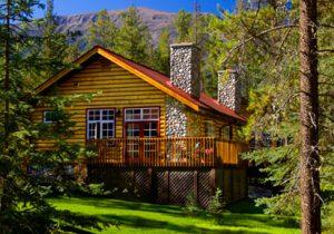 Deluxe Bedroom Suite at Alpine Village Jasper